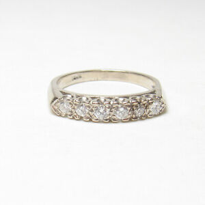 1940s Vintage 14K White Gold Six Brilliant Cut Diamond Band Style Ring 0.12 Cts