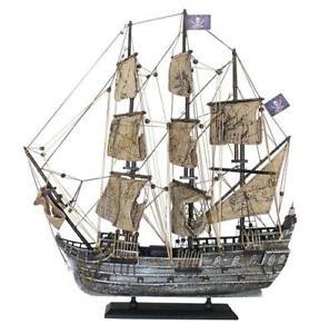 Piratenschiff, Black Pearl, Holz mit Stoffsegel, auf alt gemacht, L: 50cm, H: 56