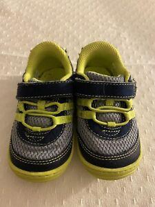 Stride rite baby sneaker size 5