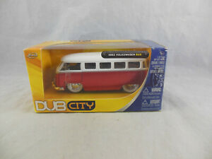 Jada Toys Dub City 20006 1962 Volkswagen Bus in Red & White 1:32 Scale