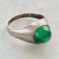 Vintage Green Art Glass Cabochon Modernist 925 Sterling Silver Ring Sz. 5.5