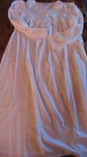 Sehr schönes Nachthemd von RÖSCH Größe 40 Baumwolle Weiß mit Spitze
