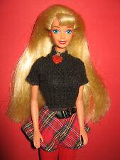 B316-Vieille School Spirit Barbie #15301 MATTEL 1996 avec l'intégralité du Bijoux
