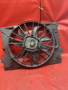 2005 Mercedes W211 E350 CLS500 Engine Motor Cooling Radiator Fan Assembly