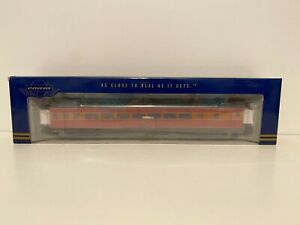 HO Athearn Genesis Southern Pacific Lines SP Daylight 77-C-1 Chair Car No. 2400