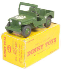 Véhicules militaires miniatures Dinky
