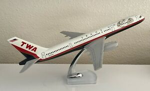 Vintage TWA 757-2Q8 1:100 Scale Airplane Model - Trans World Airlines - NR