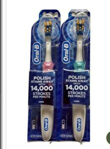 Oral-B 3D White Battery Powered Electric Toothbrush 1 Pink,1 Green