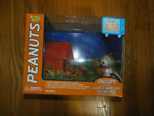 Snoopy The Great Pumpkin Charlie Brown World War One Flying Ace Deluxe Playset