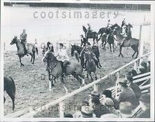 1935 Women Horse Riders Play Ribbon Race At Cymkhana Pinehurst NC Press Photo