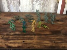 Vintage Lot Of Plastic Army Men , Green & Brown Color , Assortment