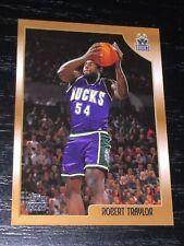 1998-99 Topps ROBERT TRAYLOR RC card #200 ~ Michigan / BUCKS Rookie ~ F1