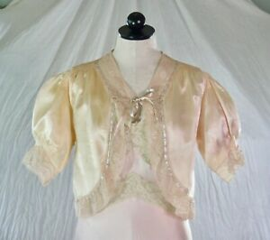 VINTAGE 30s soft PINK SILK BED JACKET lace inserts M