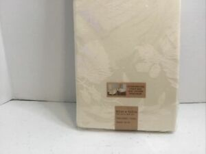 """Town & Country Autumn Medley Damask Fabric Tablecloth 60""""x120"""" Oblong Ivory New"""