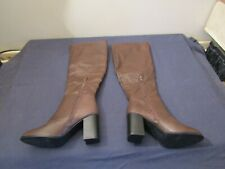 NEW LADIES KNEE HIGH BOOTS IN BROWN SIZE 5.
