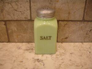 McKee Jeanette Jadite salt shaker Tipp