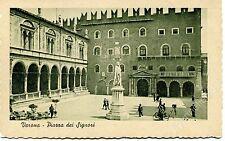 Primi '900 Verona Piazza dei Signori biciclette statua FP B/N ANIM