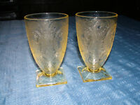 VINTAGE 2 1930S INDIANA GLASS DEPRESSION GLASS TUMBLERS