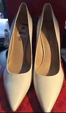 "Guess shoes ""Gwneodana"" White Leather Pumps NEW IN BOX size 10"