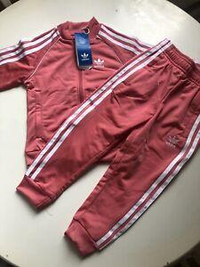 girls Adidas tracksuit Size 4-5 Brand New