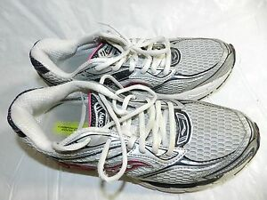 WOMENS saucony size 8 running SHOES jogging guide 4 sneakers
