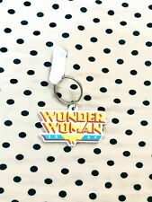 WONDER WOMAN LOGO KEYRING-bRAND NEW WITH TAG (COMES AS SEEN)