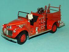 Road Signature. Signature Series 1/24 1941 GMC Fire Truck MiB