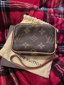 Authentic Vintage Louis Vuitton Trousse Wapity Pouch