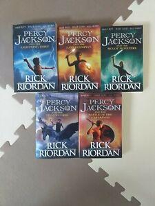 Percy Jackson 1-5 Taschenbücher in Englisch Neuwertig
