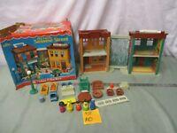 Fisher Price Little People Play Family Sesame Street 938 Ladder set bert box Ao