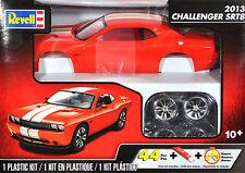 Revell Monogram 1/25 2013 Dodge Challenger SRT8 # 85-4358