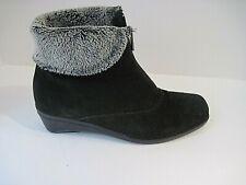 La Canadienne Evitta Black Waterproof Suede Bootie Ankle Boot Size 7 1/2M