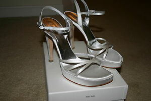 Vera Wang WHITE SATIN Wedding BRIDAL Sandals SHOES Sz Euro 38 or US 8 $485 New