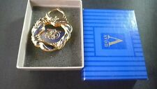 Avon Presidents Club GoldTone Heart 1991 Cut Out  1.5 in Brooch Pin NEW