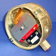 HONEYWELL 1/2IN. NPT 1-10PSI 1000-7000MM WATER GAS PRESSURE SWITCH C437D *NEW*