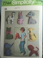 Simplicity Sewing Pattern 7744 Set of Stuffed Toys Vintage 1976 Original