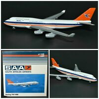 Diecast airplane model 1:500 SAA Boeing 747-400 South African Airways Herpa Wing