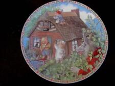 """1988 Edwin Knowles The Three Little Pigs 8.5"""" Collector Plate"""