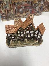 David Winter Cottages Apothecarys Shop