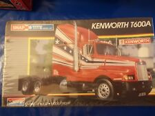 Monogram Kenworth T600A 1/32 Model Kit