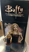 Buffy The Vampire Slayer Bust - Buffy vs Dracula - Numbered to 5000 Gentle Giant