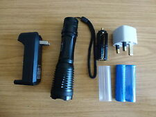 1800LM CREE XML T6 LED Zoom Flashlight Torch+ 2 Battery+Charger+Pouch