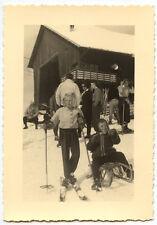 Enfants ski luge neige hiver - photo ancienne amateur an. 1940 50