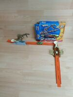 Hot Wheels Dino Claw Attack With Car - Trick Tracks RARE