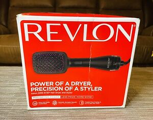 Revlon Pro Collection Salon One-Step Hair Dryer and Styler Paddle Brush