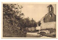 les baux  place de l'église et chapelle des pénitents