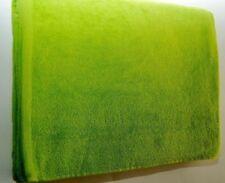 Asciugamano da mare verde per il bagno