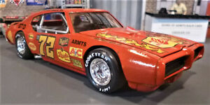 CUSTOM BUILT 1:25 SCALE 1969 GTO SHORT TRACK STOCK CAR with 400 C.I. V8.