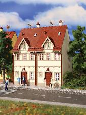 Vollmer 43843 H0 Reihen-Doppelhaus, beige