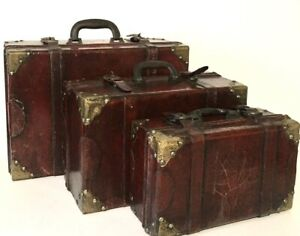 Vintage Wooden Nesting Wooden Suitcases/Steamer Trunks (3)